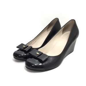 Cole Haan Black Leather & Patent Wedge w/ Logo Bow